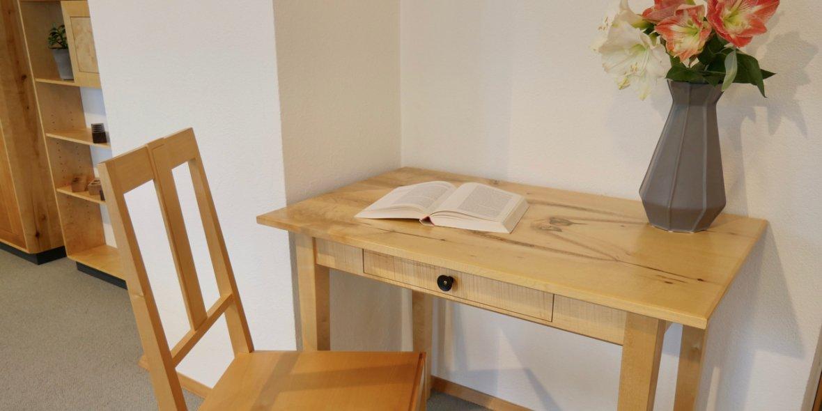 Schreinerei Freiburg Schreibtisch Massivholz