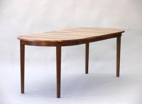 klassischer Tisch