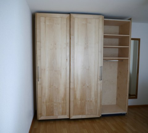 Schrank Massivholz