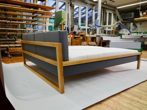 Bett vom Schreiner Freiburg Matratze ELZA